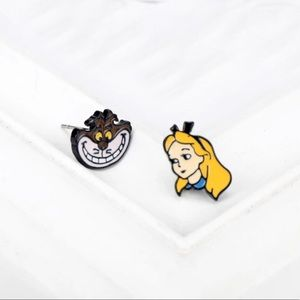 DISNEY MISMATCH ALICE IN WONDERLAND STUD EARRINGS